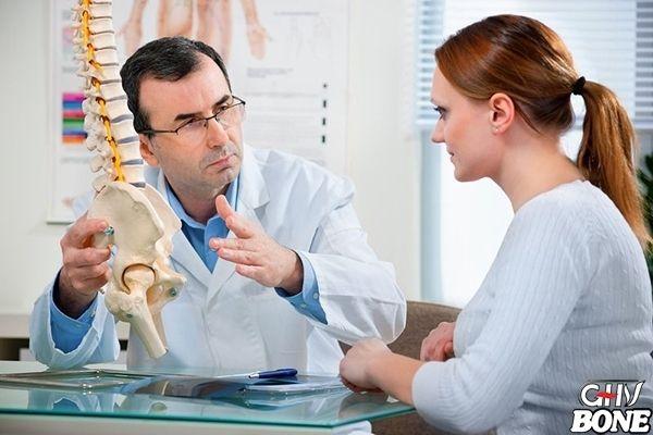 Loãng xương sau mãn kinh xảy ra ở phụ nữ sau khi mãn kinh