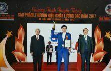 GHV Bone vinh dự nhận cúp vàng