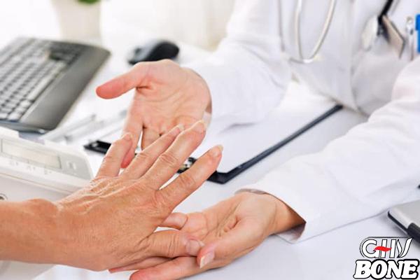 Phương pháp điều trị đau khớp ngón tay được áp dụng nhiều nhất