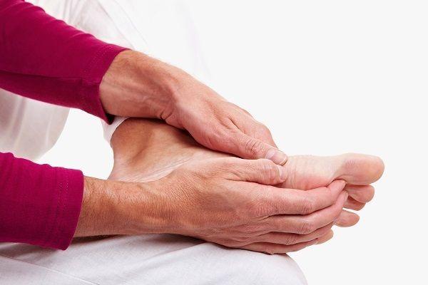 Cách điều trị đau nhức khớp tay chân
