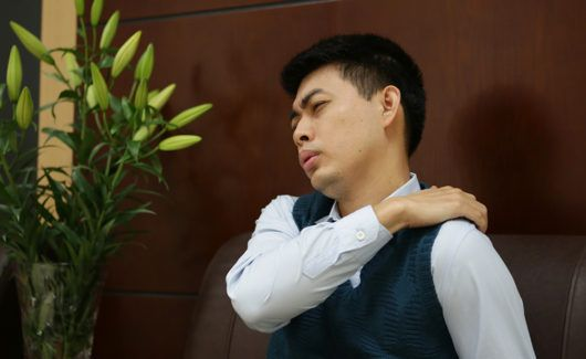 Đau khớp vai và cách điều trị