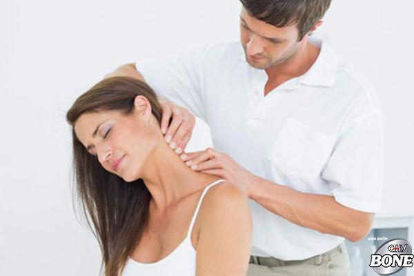 Cải thiện chứng bệnh đau vai gáy