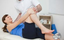 Vật lý trị liệu sẽ giúp bệnh nhân thoái hóa khớp: giảm đau, giảm sưng, giảm co thắt các cơ, cải thiện vận động cho cơ thể.
