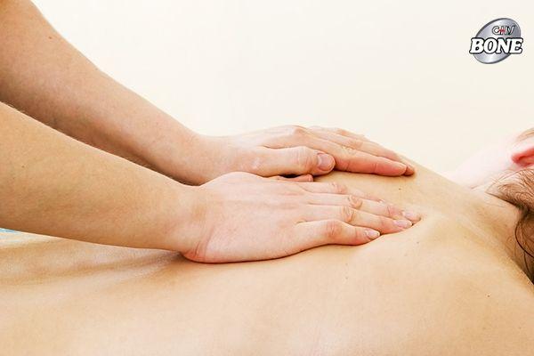Massage là một cách tuyệt vời để giảm đau khớp