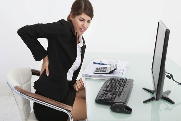 Thói quen ngồi làm việc quá lâu là một trong những nguyên nhân gây bệnh