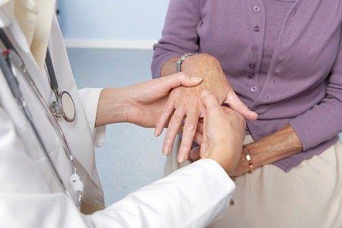 Phát hiện sớm viêm khớp vảy nến có thể giúp người bệnh hạn chế các biến chứng nguy hiểm