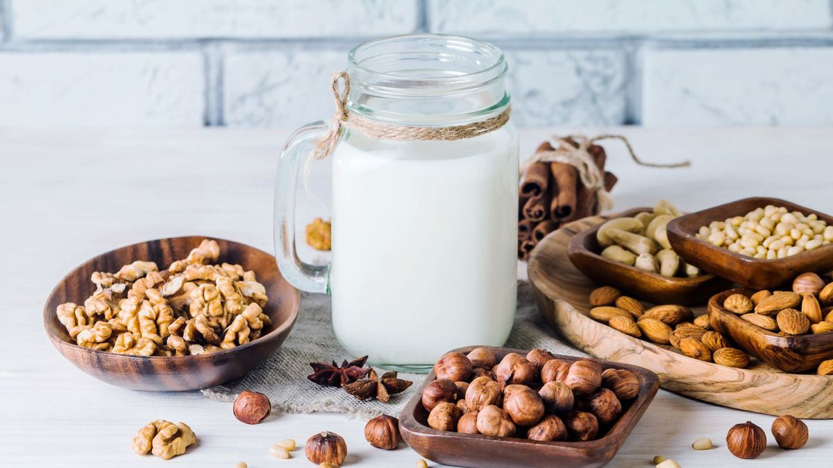 Sữa hạt tốt cho người bị gai cột sống