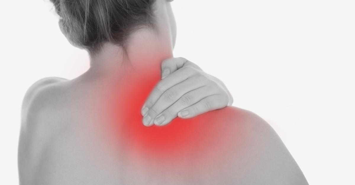 Vai yếu, đau mỏi vai là những triệu chứng của rách sụn viền khớp vai