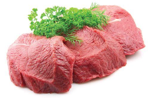 Thịt đỏ là thực phẩm giàu protein nhưng chứa hàm lượng photpho không có lợi cho xương