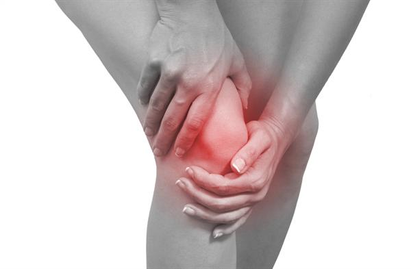 Viêm khớp gây ra những cơn đau dai dẳng cho người bệnh