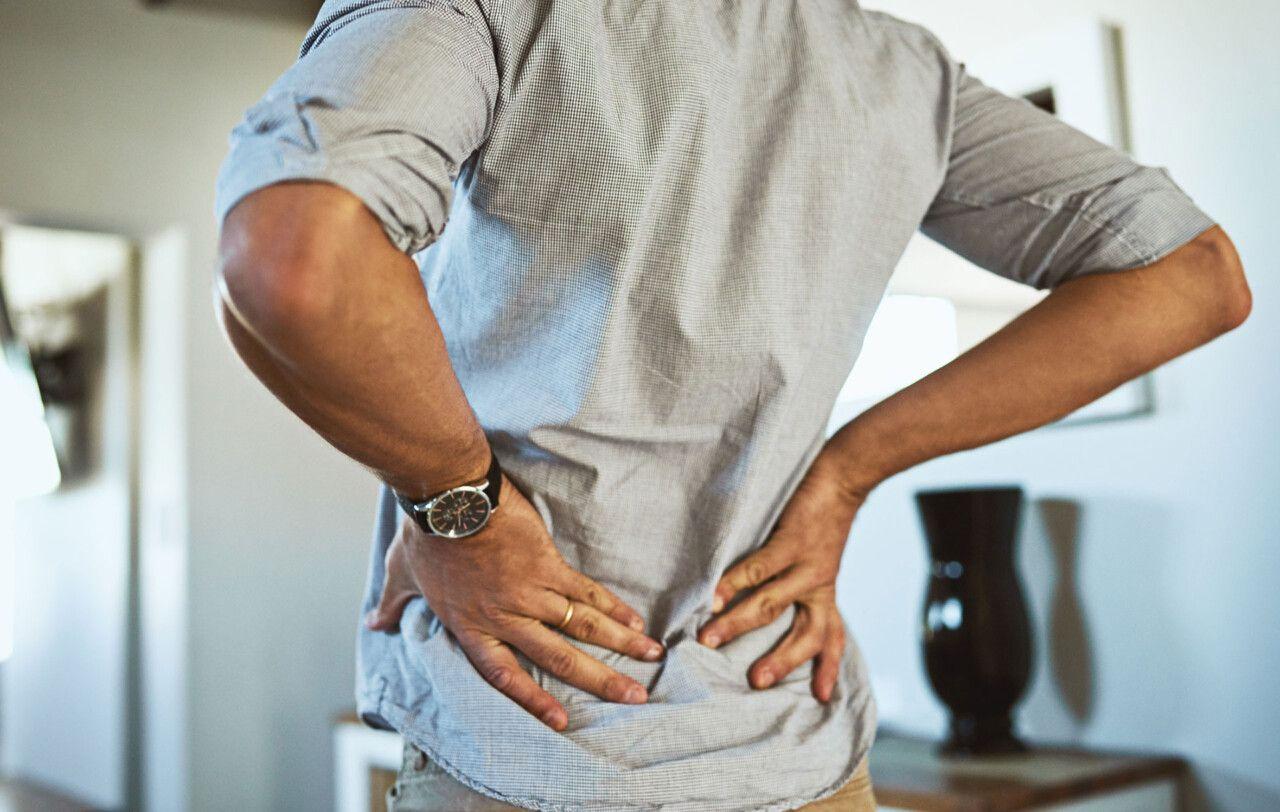Gai cột sống nếu nhưng tình trạng nặng có thể gây tê bì và dẫn đến bại liệt