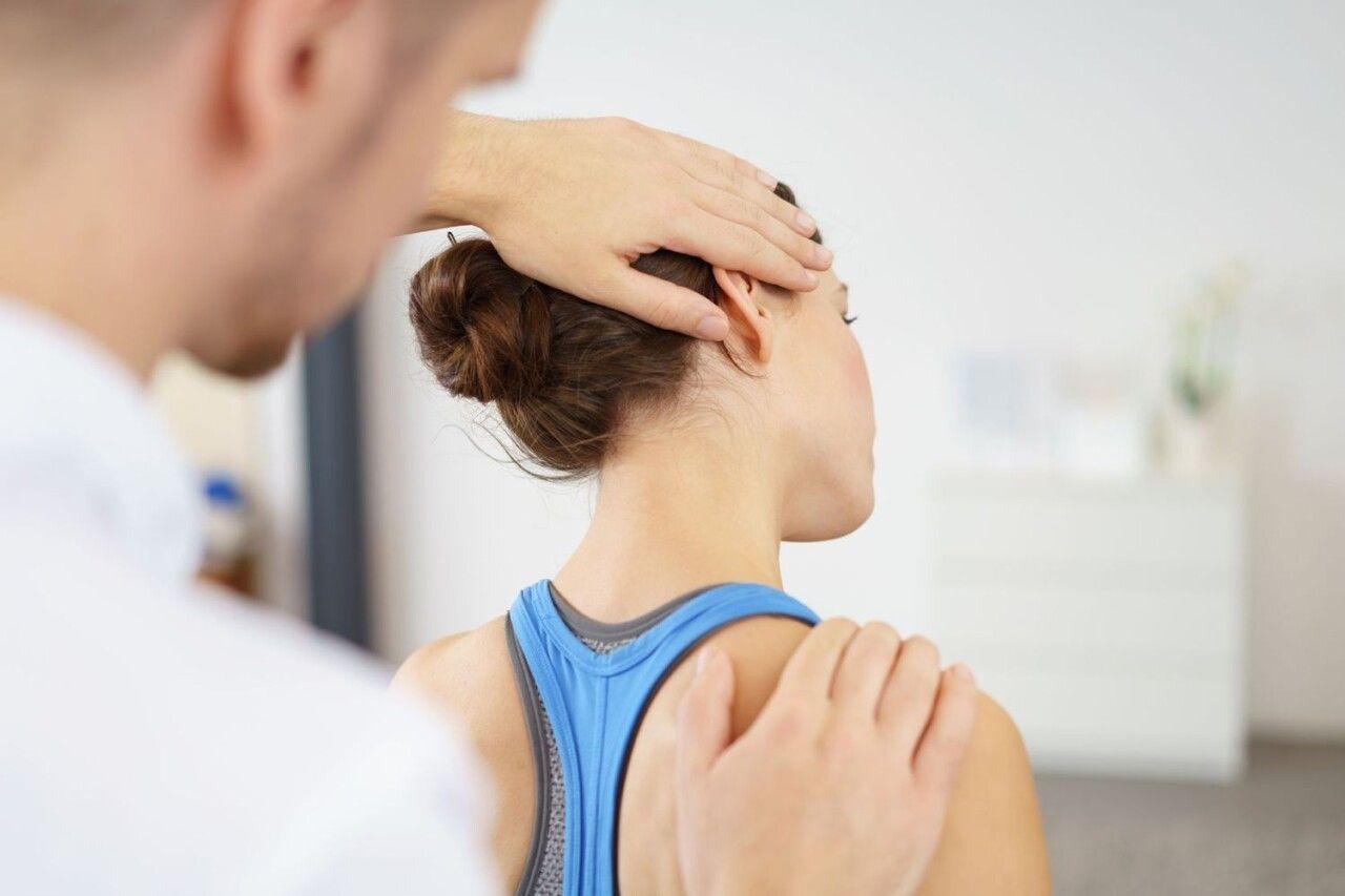 Các bài tập vật lý trị liệu giúp giảm đau vai gáy