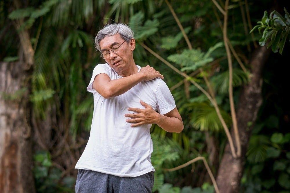 """Nhiều người cảm thấy đau nhức xương khớp dữ dội khi """"trở trời"""""""
