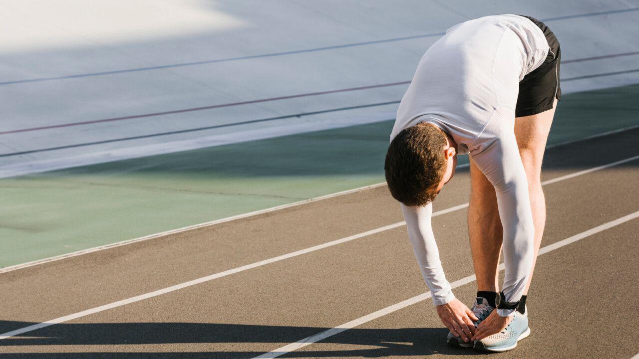 Bài tập kéo giãn cơ thân tốt cho người thoái hóa cột sống thắt lưng
