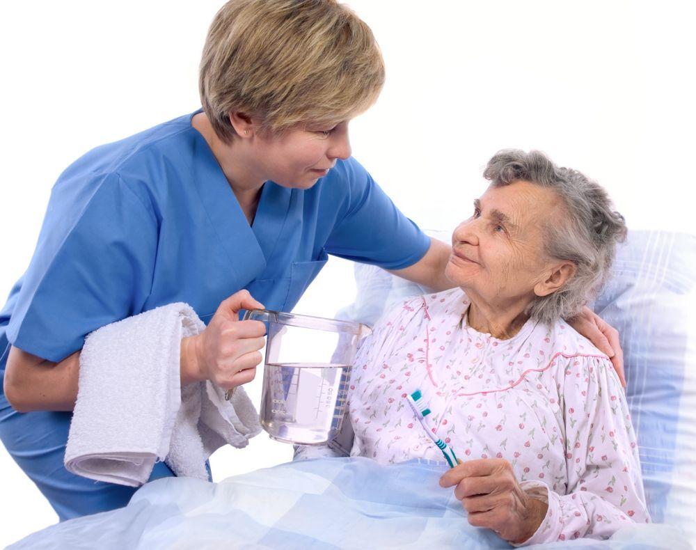 Bệnh nhân cần nằm đệm cứng ít, hạn chế vận động trong 24h sau khi mổ để vết mổ được ổn định