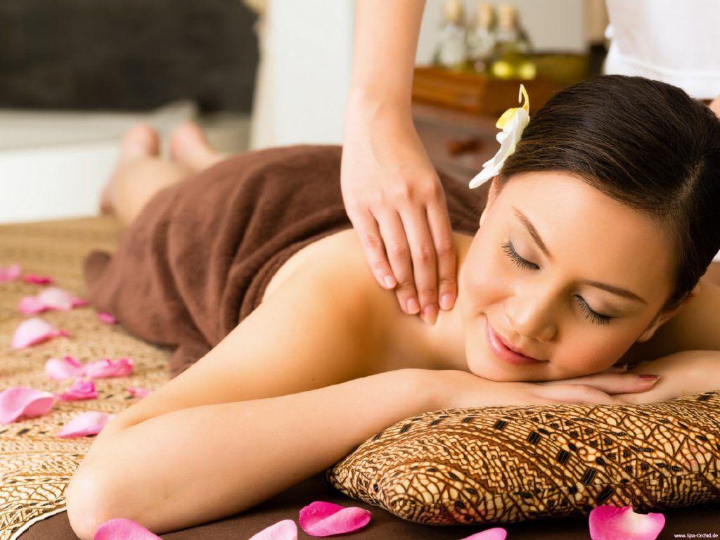 Massage vùng cổ hàng ngày để cải thiện sớm bệnh thoái hóa đốt sống cổ