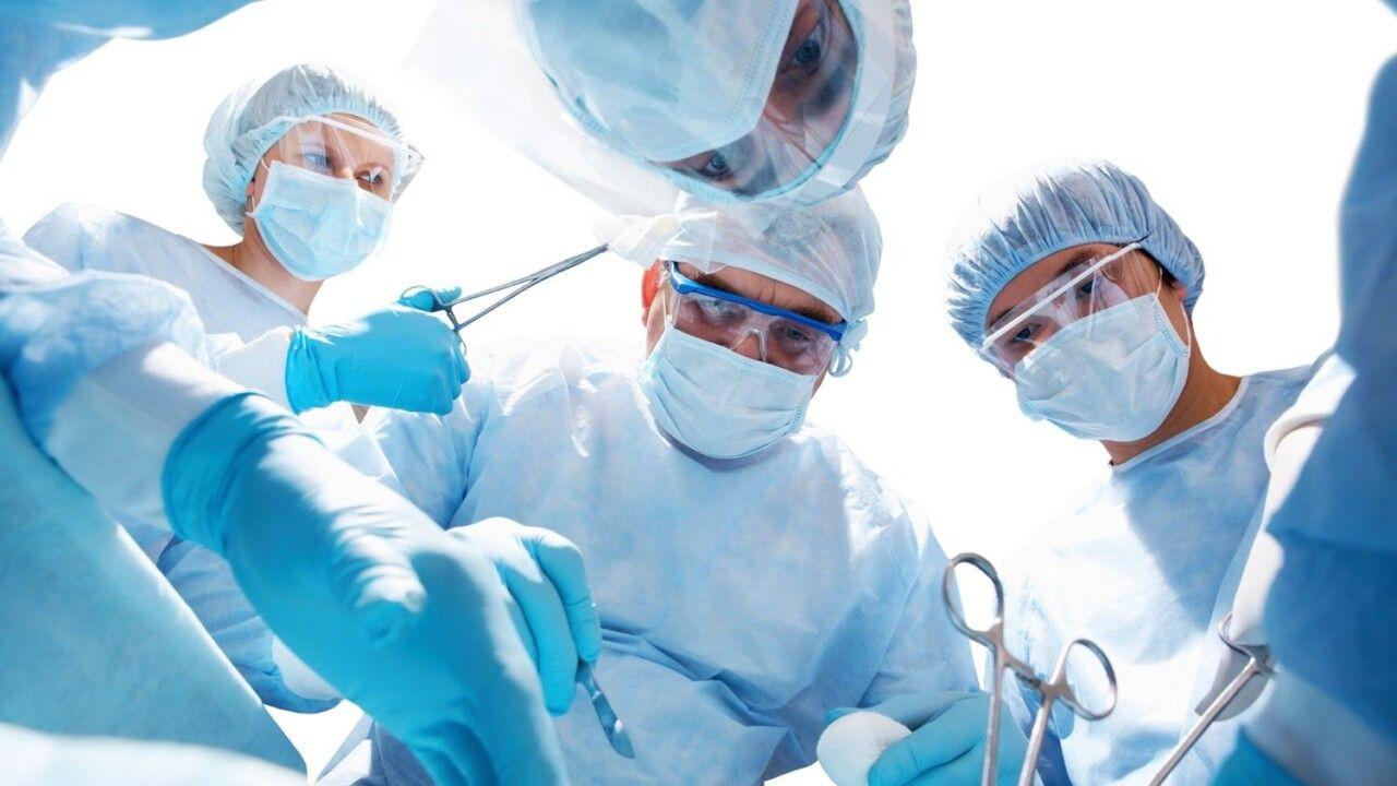Phẫu thuật được chỉ định khi bệnh ở giai đoạn nặng