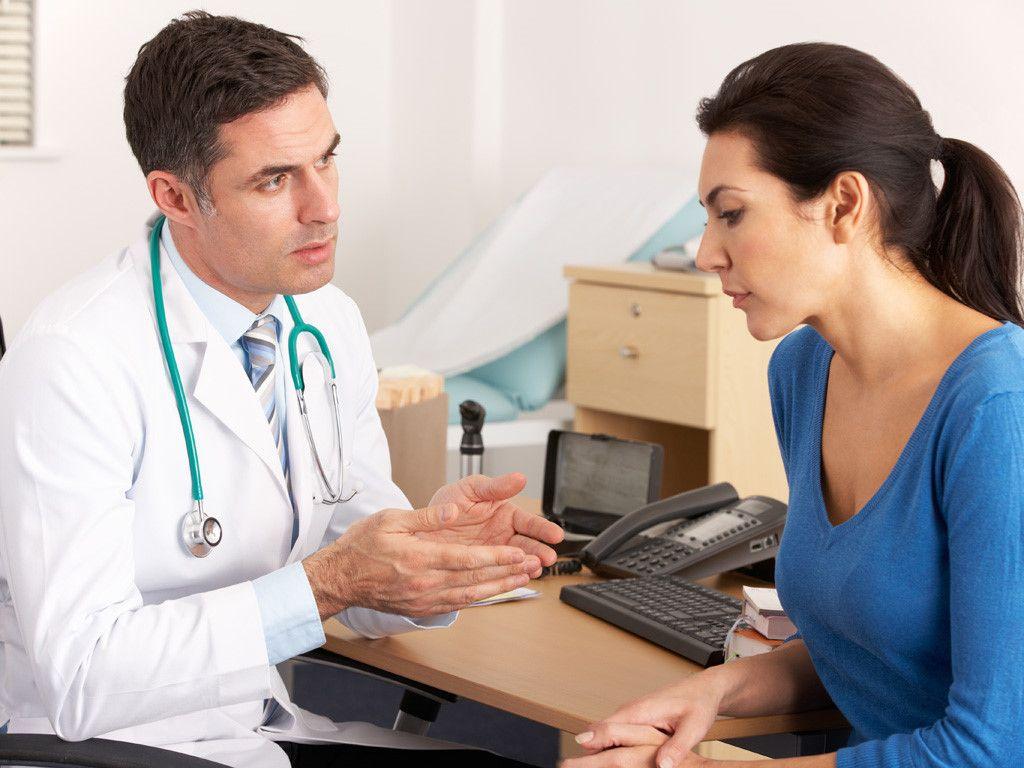 Người bệnh cần trao đổi với bác sĩ tất cả những thắc mắc về bệnh