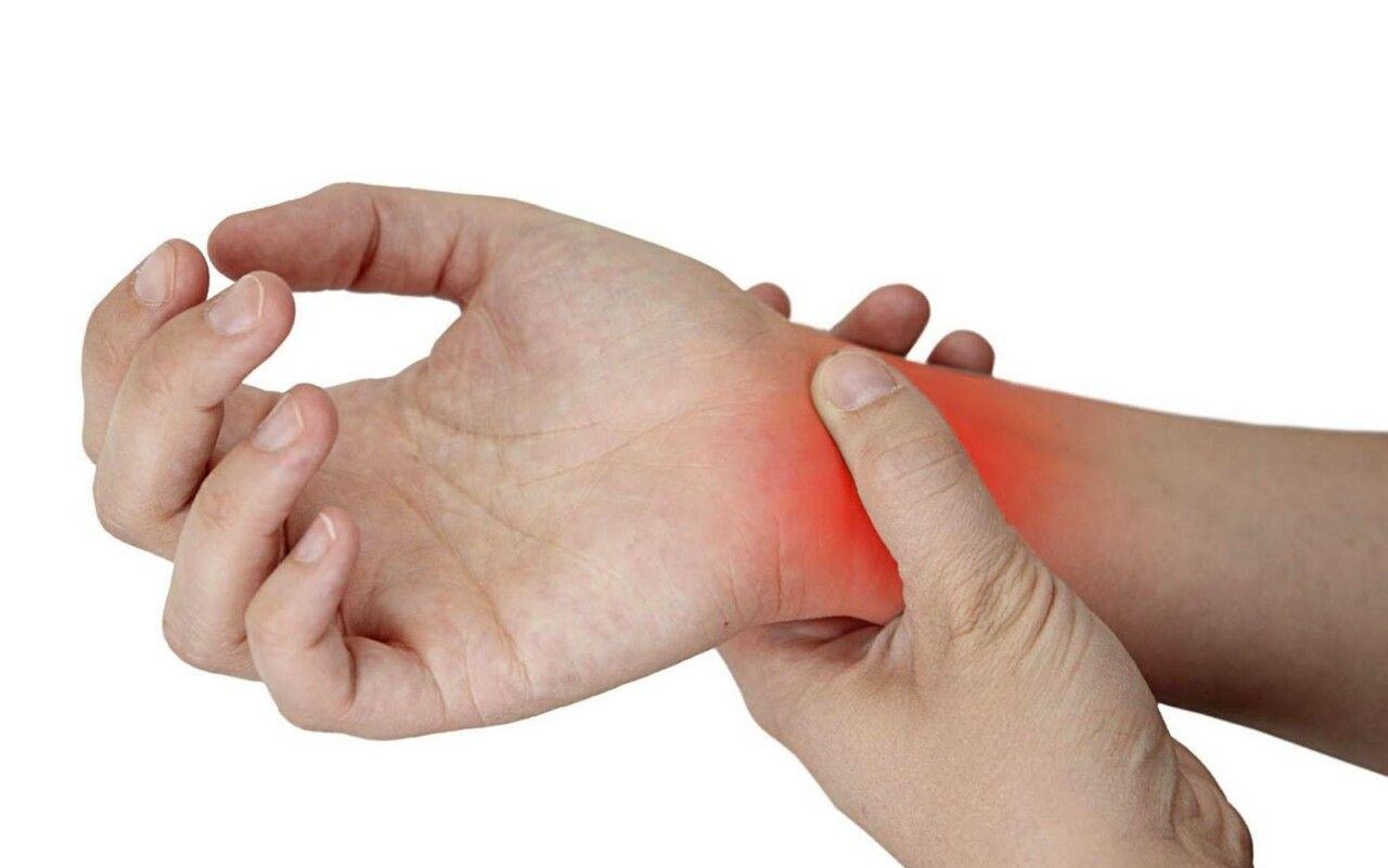 Người làm việc văn phòng có nguy cơ mắc viêm khớp cổ tay cao