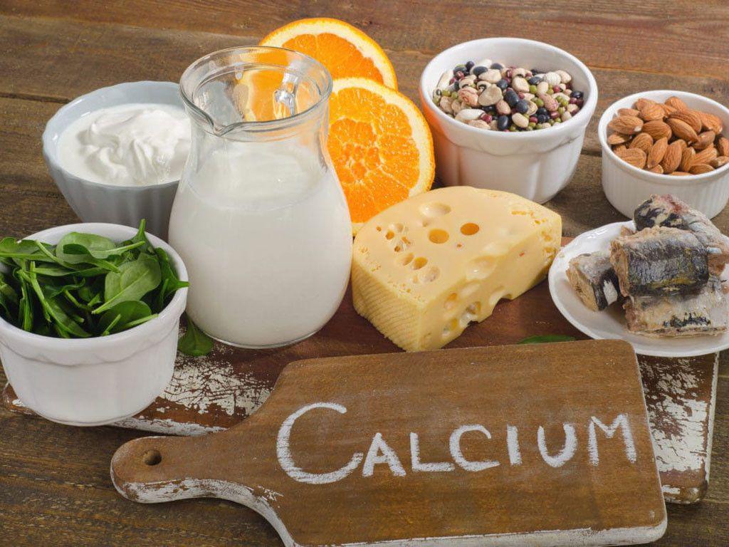 Thực phẩm có lượng canxi dồi dào rất tốt cho bệnh nhân bị viêm khớp gối
