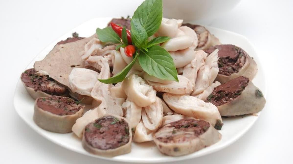 Nội tạng động vật là nhóm thực phẩm chứa hàm lượng cholesterol cao người bị viêm khớp gối không nên ăn