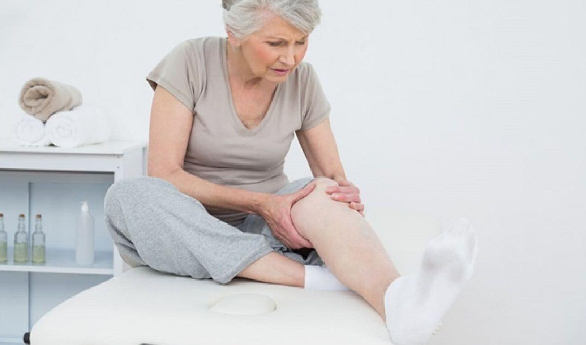 Đau nhức là dấu hiệu điển hình của viêm khớp gối