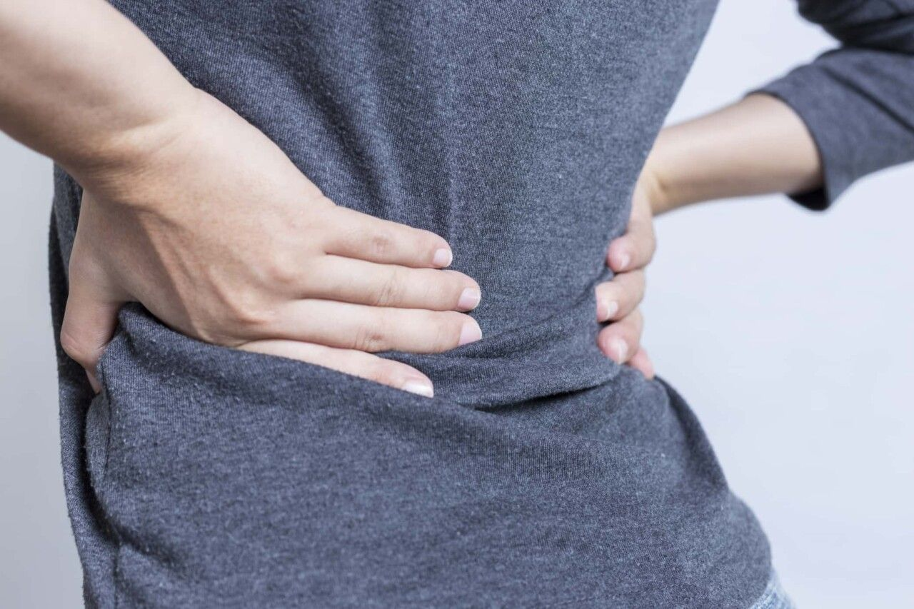 Viêm khớp vùng chậu là tình trạng viêm xảy ra ở khớp nối giữa xương chậu và xương cột sống
