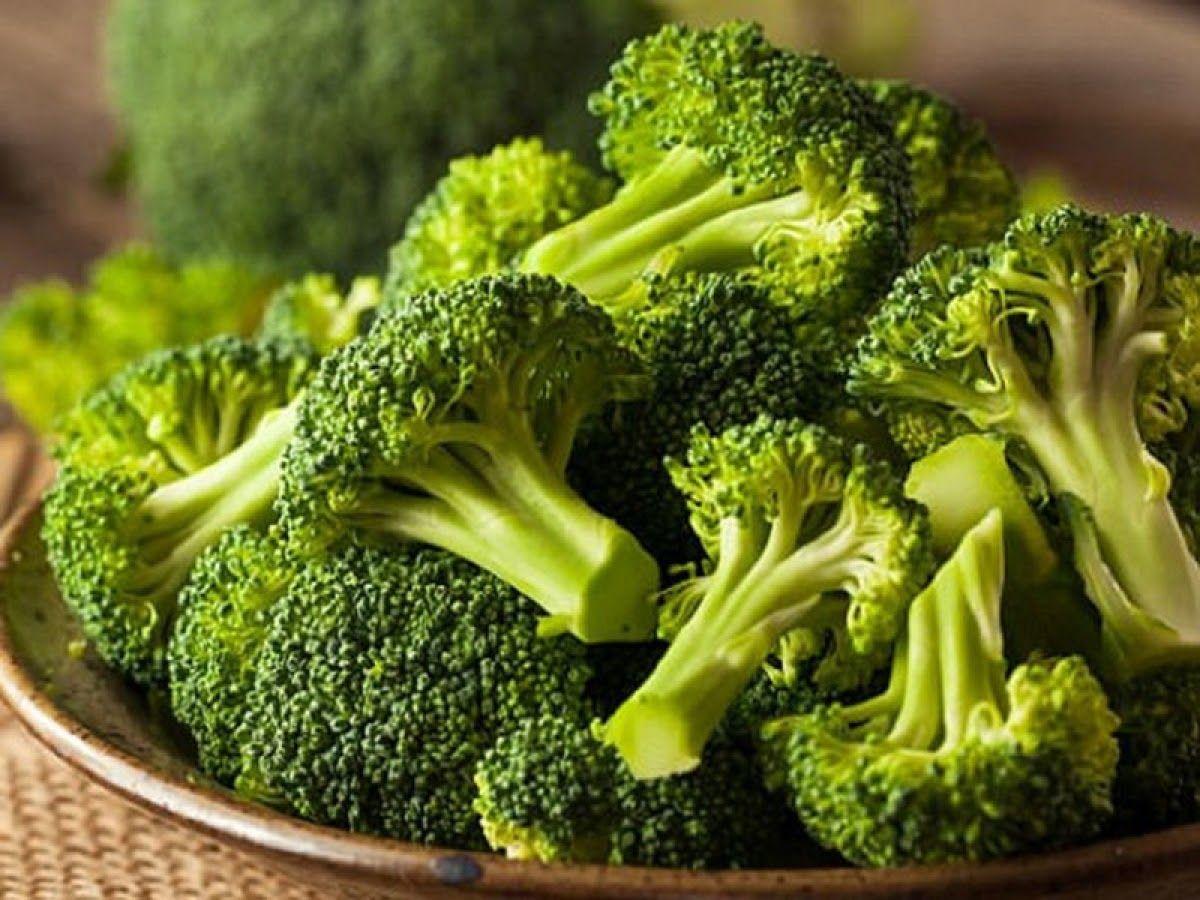 Các loại rau xanh đều cần thêm vào bữa ăn hằng ngày của người bị thoái hóa khớp