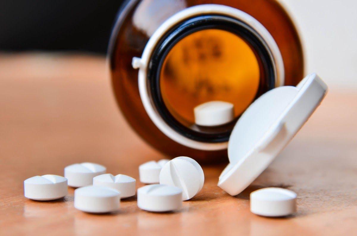 Một số loại thuốc giảm đau cho bệnh nhân thoái hóa đốt sống