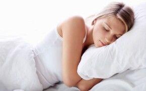 Người bị đau vai gáy nên nằm ngủ ở tư thế nào?