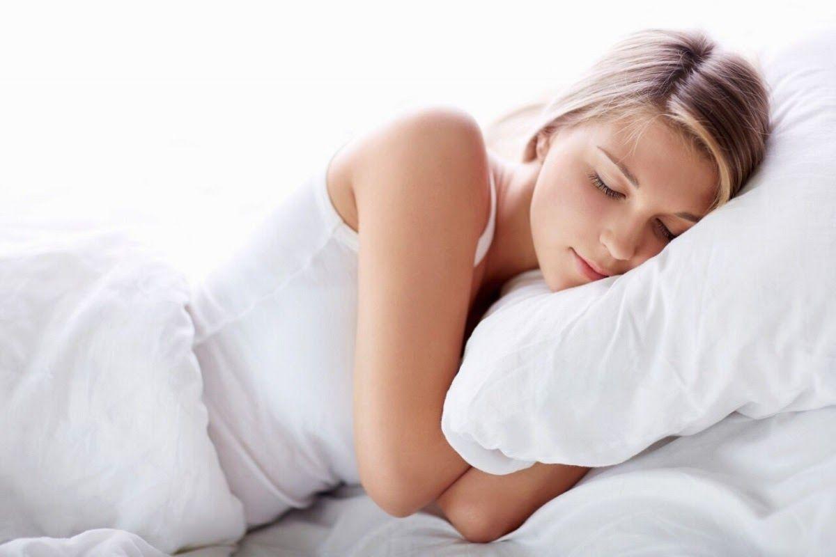 Lựa chọn gối ngủ phù hợp giúp người bệnh ngủ ngon và giảm thiểu triệu chứng đau