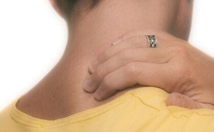 Nguyên nhân, triệu chứng và cách điều trị khi bị tổn thương sụn viền khớp vai