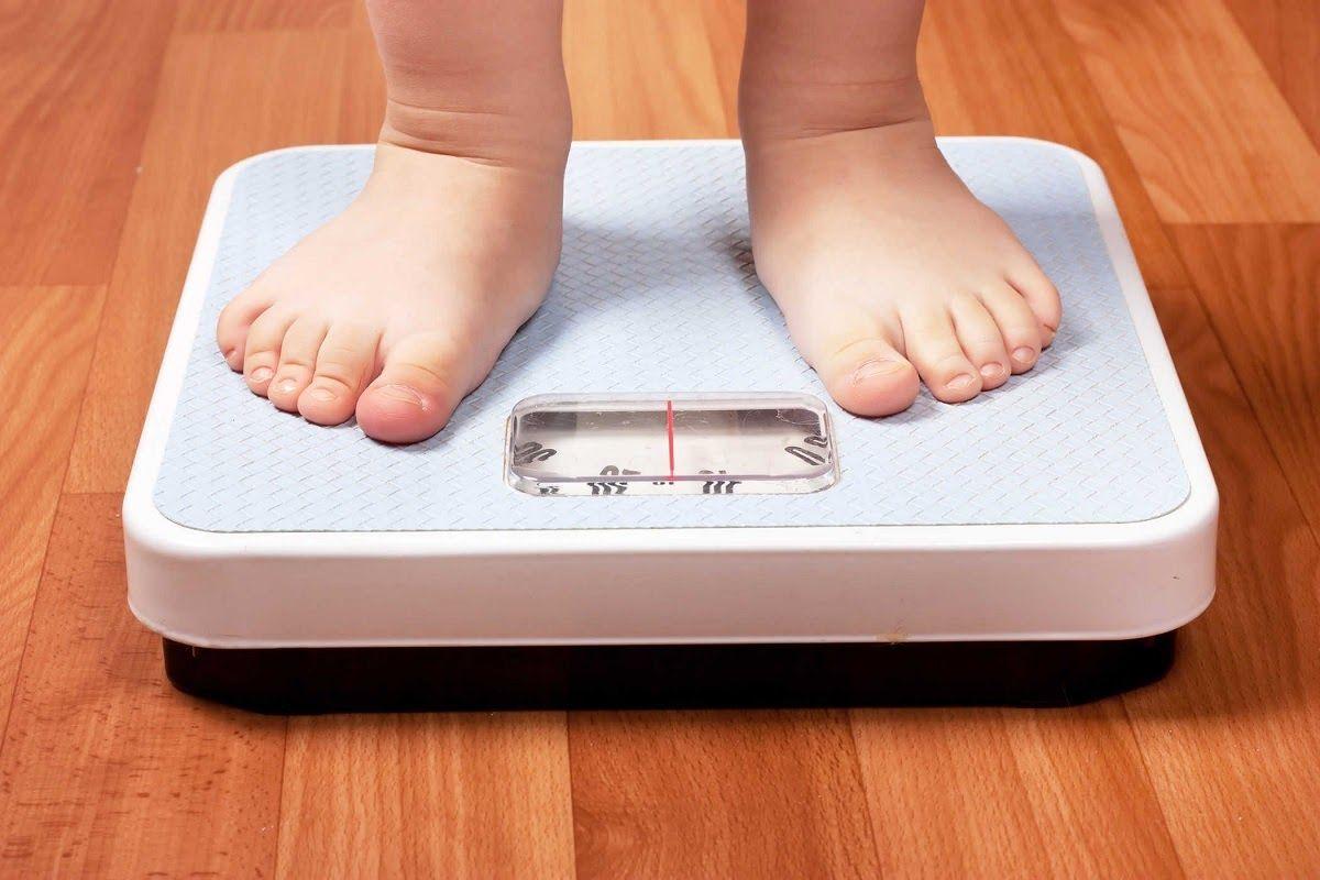 Thoái hóa khớp ở người trẻ cũng có thể do nguyên nhân thừa cân béo phì gây nên
