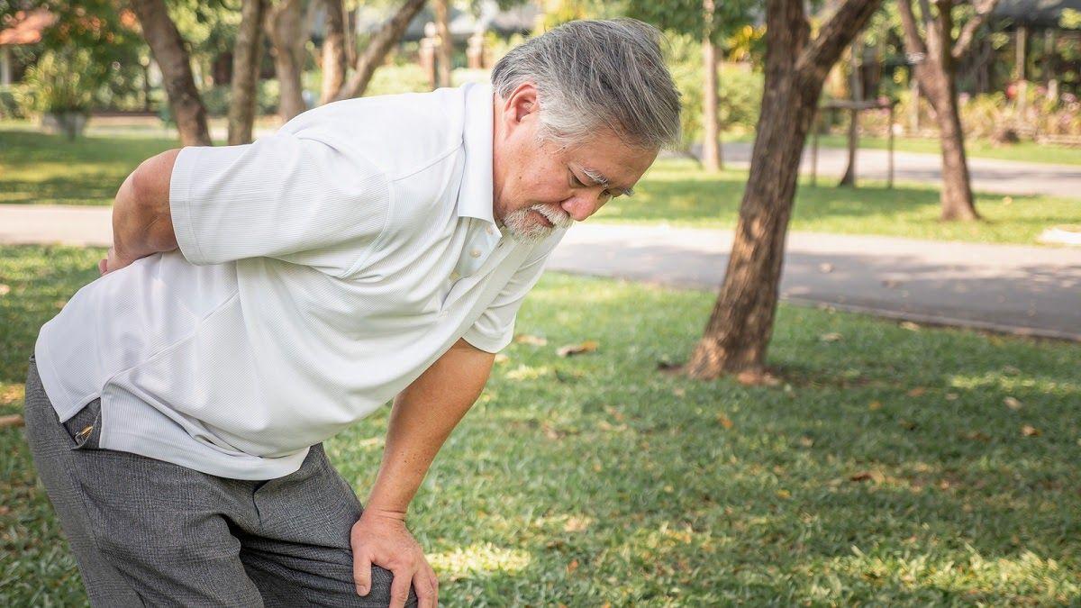 Thoát vị đĩa đệm cột sống thắt lưng lại gây ảnh hưởng rất lớn tới thần kinh