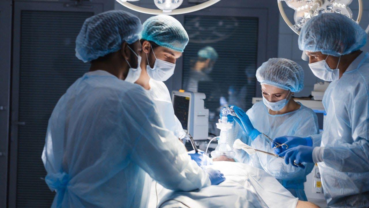 Phẫu thuật thoát vị đĩa đệm đốt sống cổ khi bệnh ở giai đoạn nặng