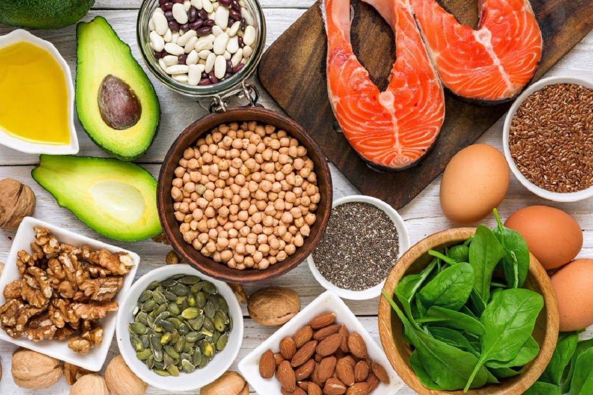 Thực phẩm chứa omega 3, 6 giúp đẩy lùi triệu chứng sưng, viêm, từ đó có thể cải thiện được tình trạng đau nhức một cách đơn giản nhất