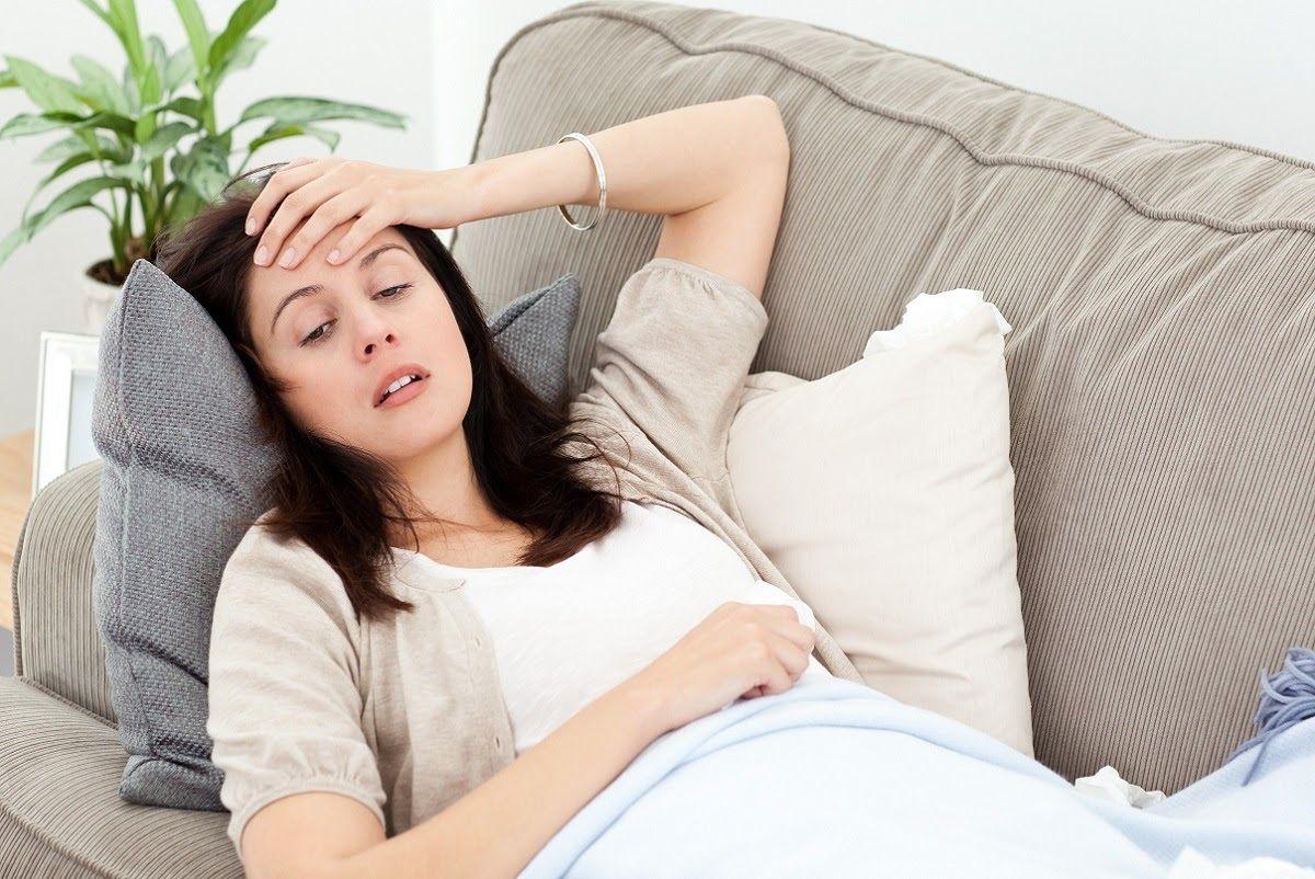 Mang thai ngoài tử cung xảy ra dẫn đến đau bụng dữ dội, các cơn đau thường tỏa ra lưng và vai