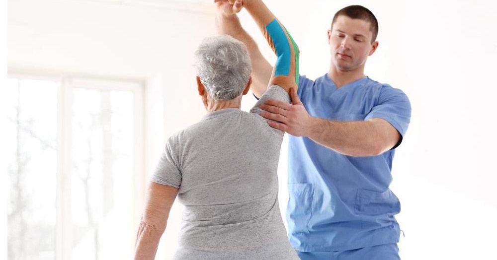 Vật lý trị liệu và phục hồi chức năng rất cần thiết cho bệnh nhân viêm đa khớp dạng thấp