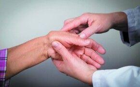Bệnh viêm khớp mãn tính là gì? Thông tin và cách điều trị