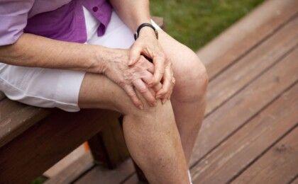 Dấu hiệu nhận biết thoái hóa khớp gối và cách điều trị