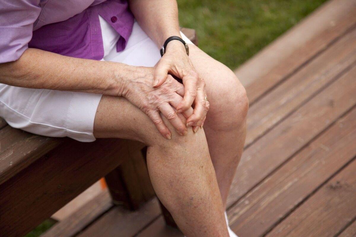 Tuổi tác là nguyên nhân chính gây nên bệnh thoái hóa khớp gối