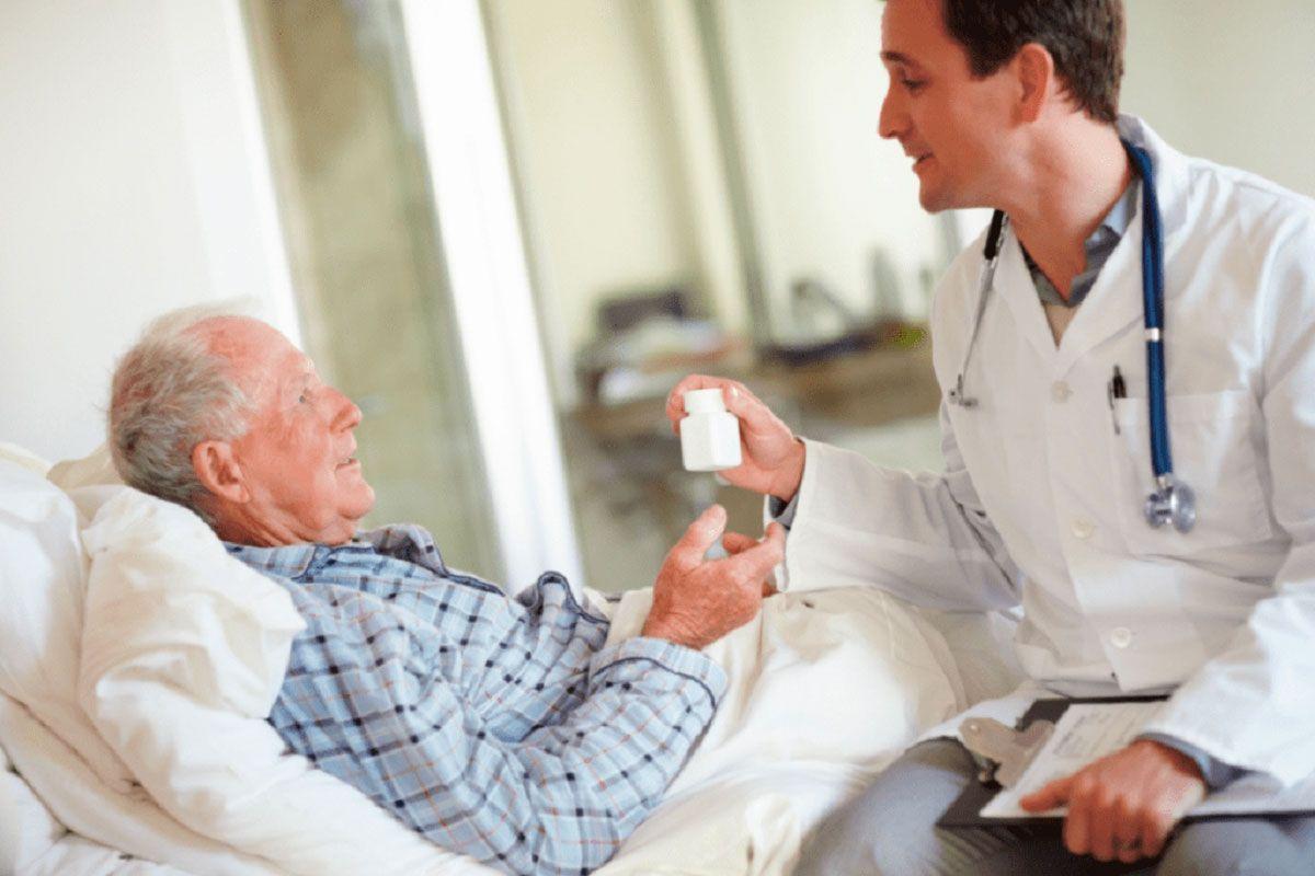 Sau phẫu thuật thoát vị đĩa đệm cần chăm sóc đúng cách tránh biến chứng