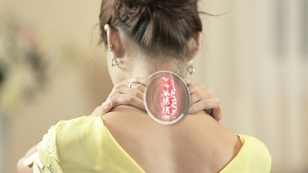 Phương pháp điều trị thoát vị đĩa đệm ở người trẻ tuổi phổ biến hiện nay là kết hợp Tây y và châm cứu, bấm huyệt