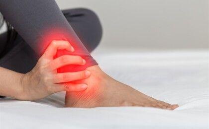 Viêm khớp cổ chân được chẩn đoán và điều trị thế nào?