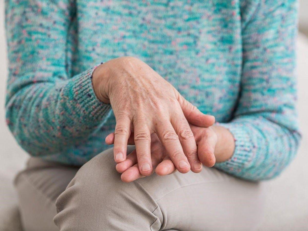 Viêm khớp dạng thấp nếu không được điều trị kịp thời sẽ gây ra biến chứng ở xương