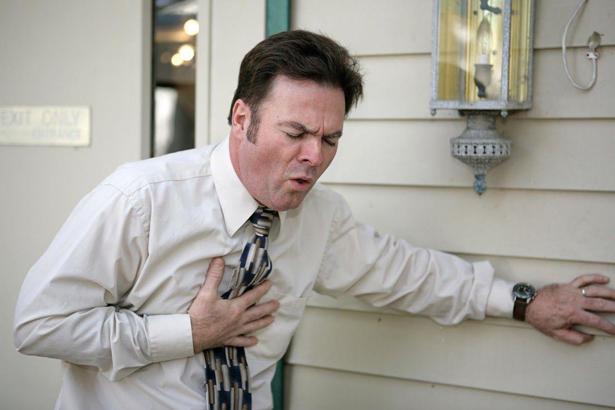 Viêm khớp dạng thấp có thể gây biến chứng viêm phổi