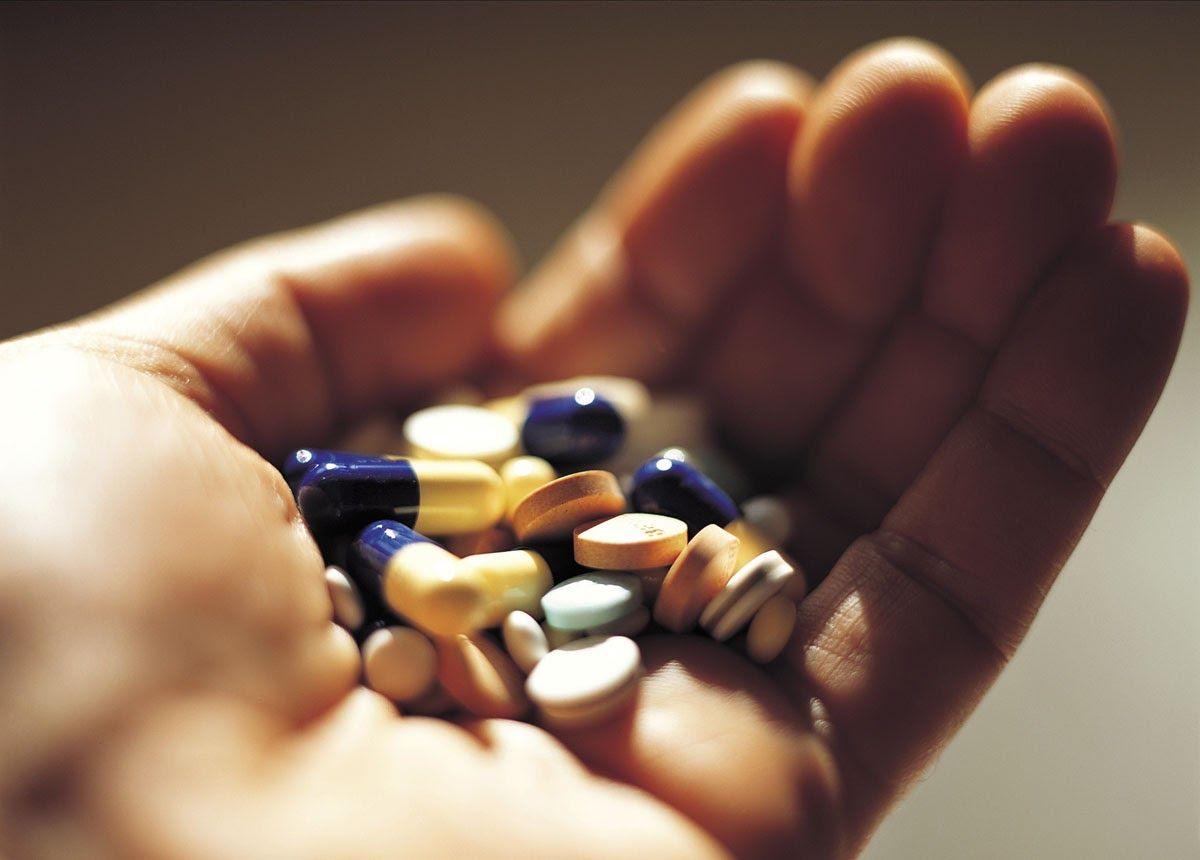 Một số loại thuốc dùng để điều trị viêm khớp phản ứng