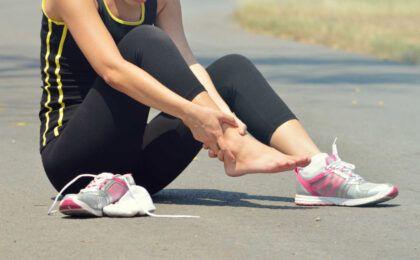 Nguyên nhân đau mắt cá chân và cách điều trị