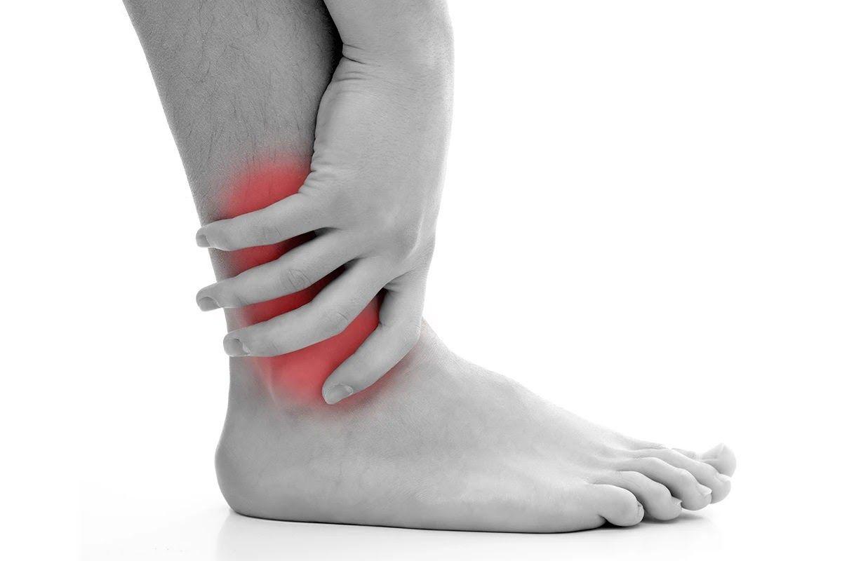 Thoái hóa khớp cổ chân chủ yếu xảy ra ở độ tuổi trên 40