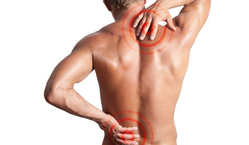 Gai cột sống thường gây đau đớn tại vùng thắt lưng và vị trí vai gáy